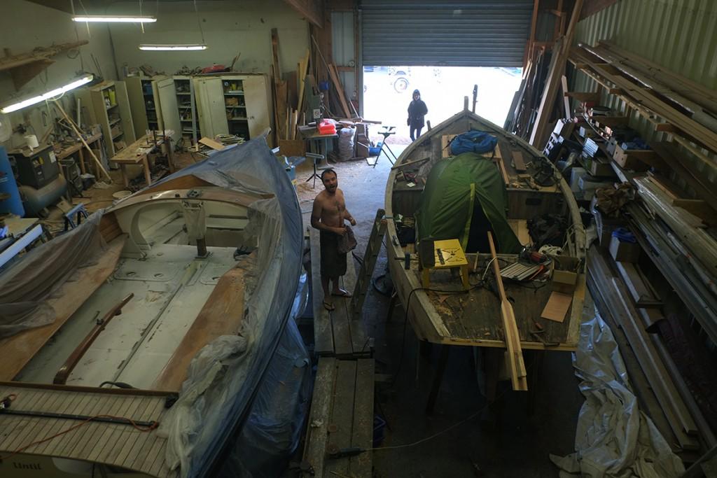 Реставрация лодки для проекта Hogshead 733