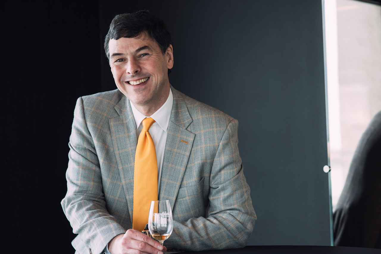 Доктор Билл Ламсден, глава отдела перегонки и создания виски Ardbeg и Glenmorangie