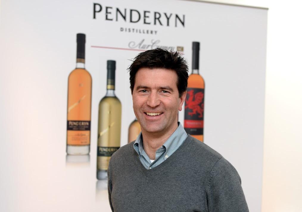 Джанкарло Бьянки, директор по продажам и технический директор валлийской винокурни Penderyn